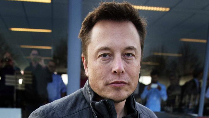 Tesla завершил квартал срекордным убытком в неменее  чем $500 млн