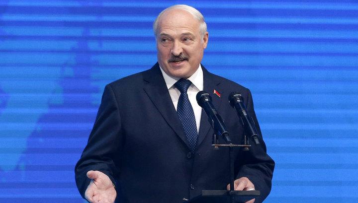 Лукашенко назвал диктатуру нереальной