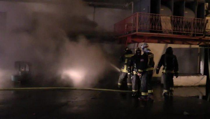 На сгоревшем московском складе обнаружены тела восьми пожарных