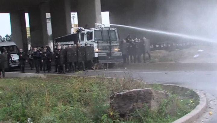 Демонстрация мигрантов в Кале завершилась массовыми столкновениями