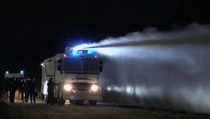 Французская полиция пресекла демонстрацию нелегалов в Кале