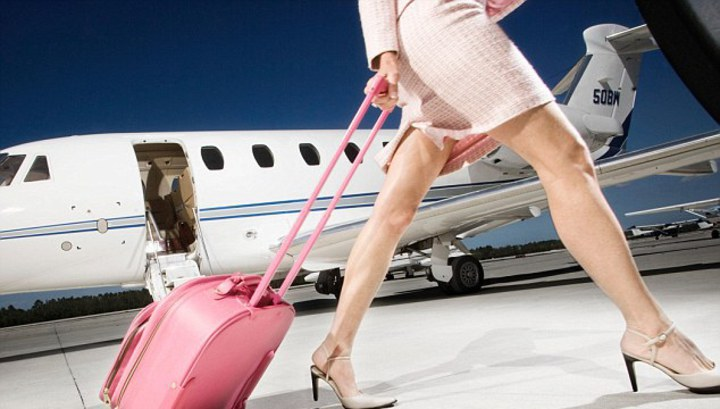 Секс со стюардесой во время полета
