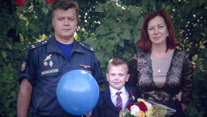 Имя Олега Пешкова выбили в граните: как живет семья героя после трагедии