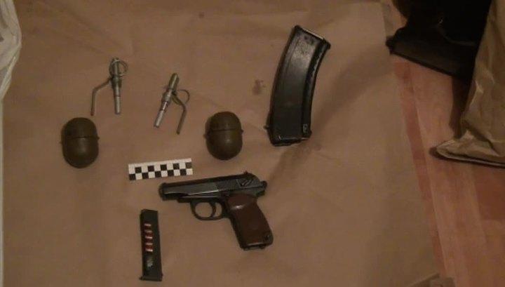Пойманные террористы хранили оружие под ванной и в духовке