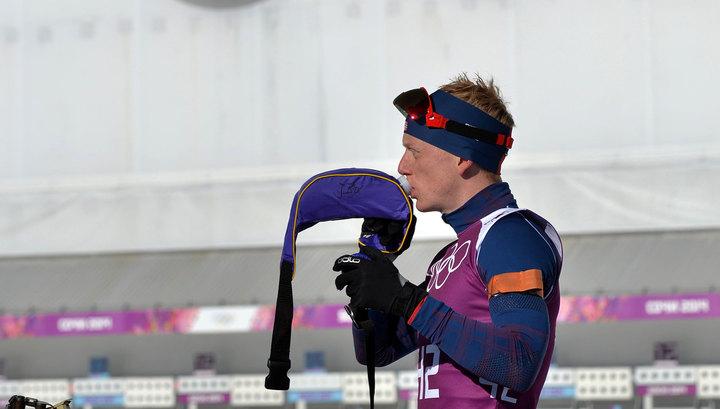 Биатлонист Бе: тяжело видеть на старте отстраненного за допинг Логинова