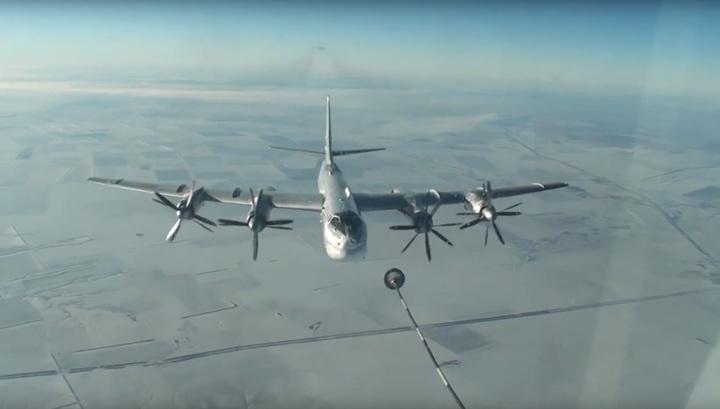 Российские стратеги опять пролетели вдоль побережья Аляски