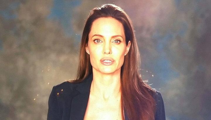Джоли впервые появилась на публике после разрыва с Питтом