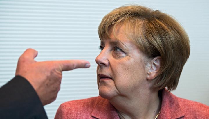 Меркель предъявили ультиматум из-за беженцев