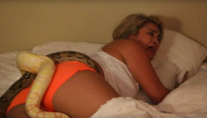 Онлайн бесплатно секс со спящими девушками