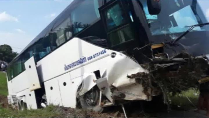 В арабских эмиратах попал в аварию автобус с туристами