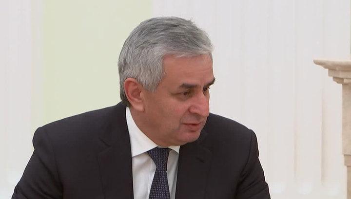 Президент Абхазии заявляет о попытках захвата власти