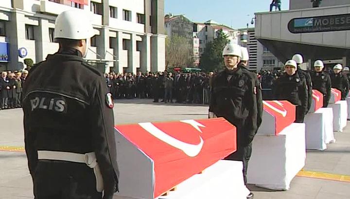 Черный день для Турции: двойной теракт в Стамбуле сплотил общество