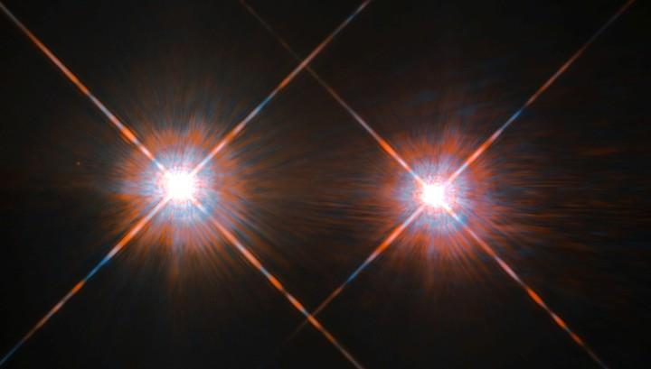 Двойная звезда в созвездии Центавра: оба компонента (α Центавра Аи α Центавра B) невооружённому глазу видны как одна звезда, благодаря чему α Центавра является третьей по яркости звездой ночного неба.