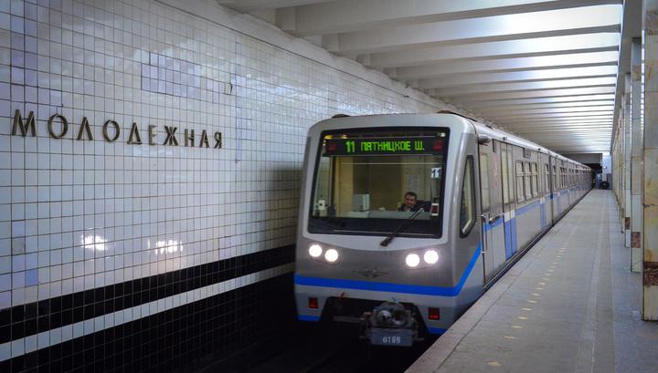Прыжок на пути: поезд метро задавил женщину и ребенка