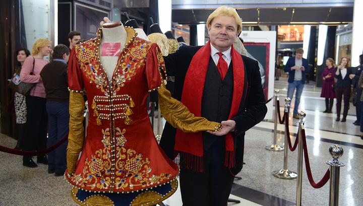 Андрис Лиепа открыл выставку своих костюмов