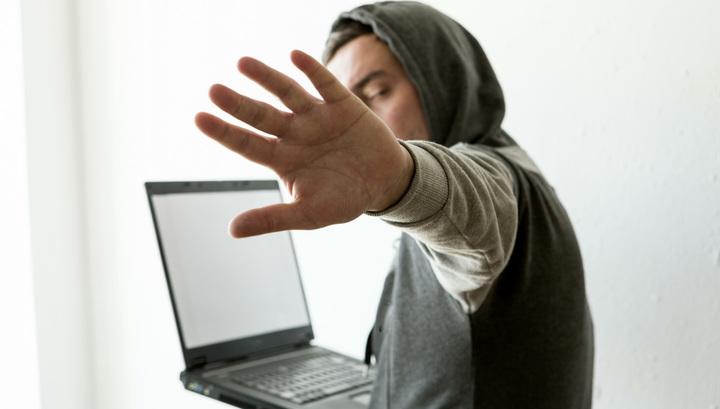 "Госдума одобрила проект о блокировке ""зеркал"" пиратских сайтов"