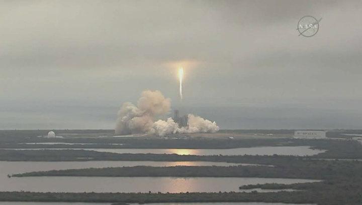 Космический грузовик Dragon привезет на Землю мышей с МКС