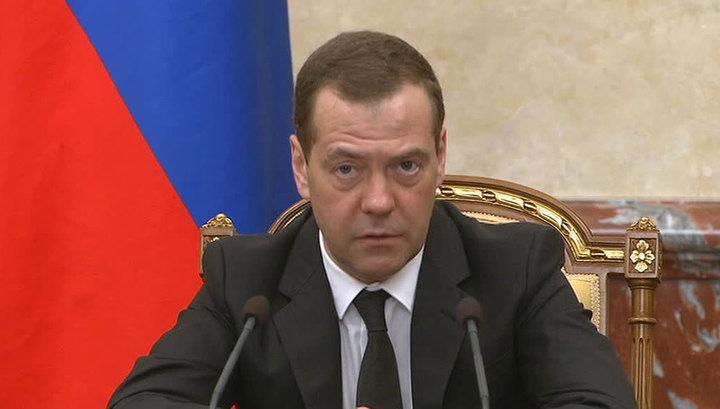 Медведев недоволен закупками отечественной микроэлектроники