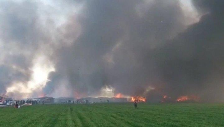 В Италии загорелся лагерь беженцев, основная версия - умышленный поджог