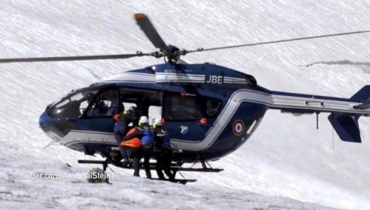 Самолет и вертолет столкнулись и упали на ледник в Альпах