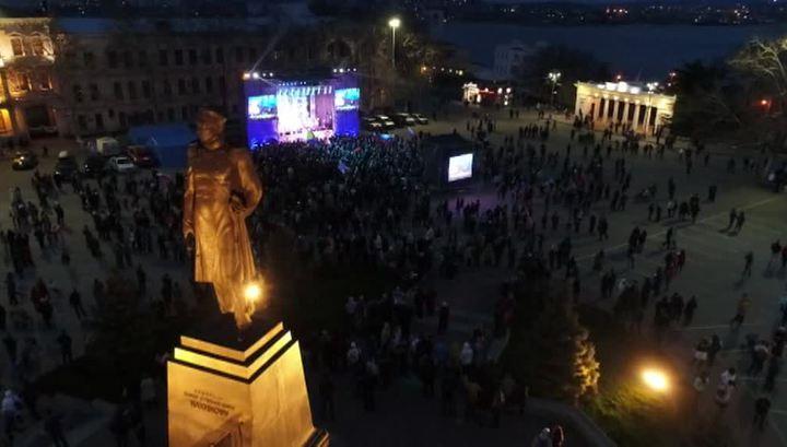 Крымчане отметили годовщину возвращения в Россию народными гуляниями