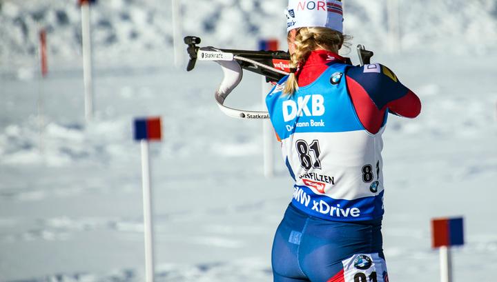 Норвежская биатлонистка  Тириль Экхофф  выиграла спринт в Антхольце
