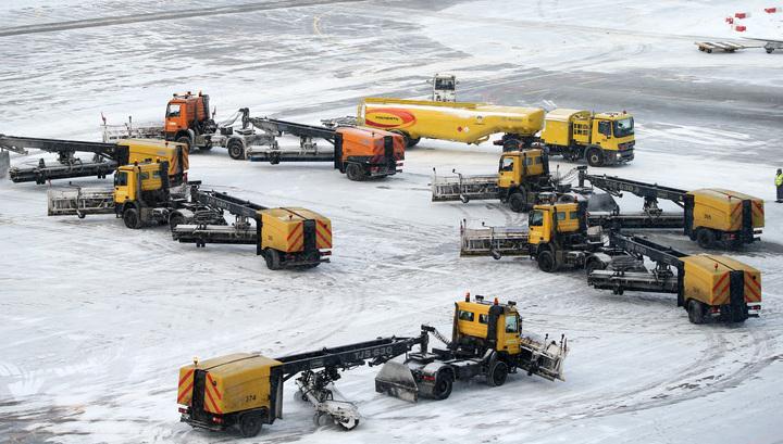 В московских аэропортах отменено или задержано более 80 рейсов