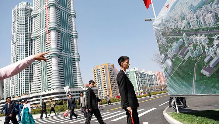 Пока Запад грозит Пхеньяну, Ким Чен Ын открывает образцовую улицу