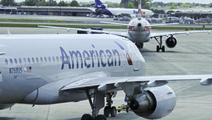 Самолет United Airlines совершил незапланированную посадку из-за собаки на борту