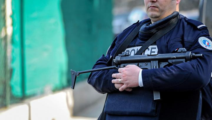 Французский полицейский убил трех человек, а затем и себя