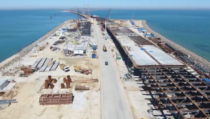 Построена половина опор Крымского моста