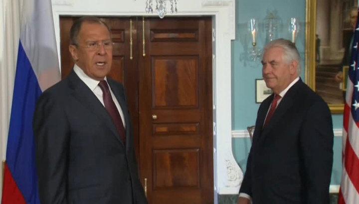 В Вашингтоне проходит встреча Лаврова и Тиллерсона