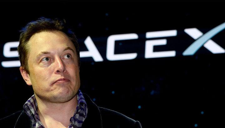 Акционеры Tesla подали в суд на Илона Маска
