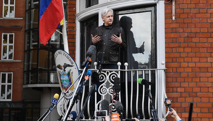 Эквадор опубликовал правила поведения Ассанжа в своем посольстве