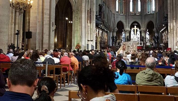 Полиция ищет сообщника: в соборе Парижской Богоматери заблокированы 900 человек