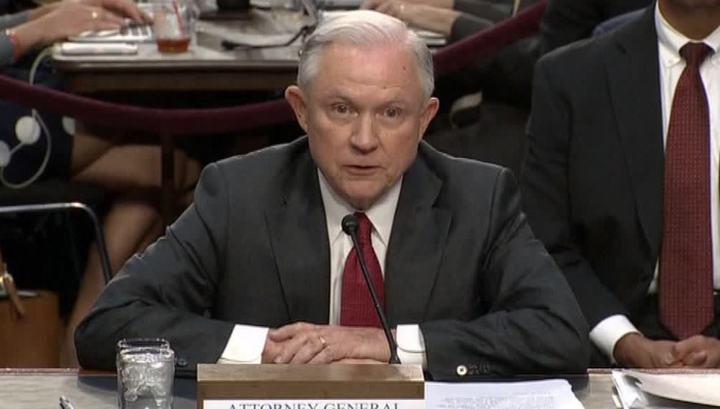 Генпрокурор  США сообщил Сенату, что обсуждал с послом РФ Украину