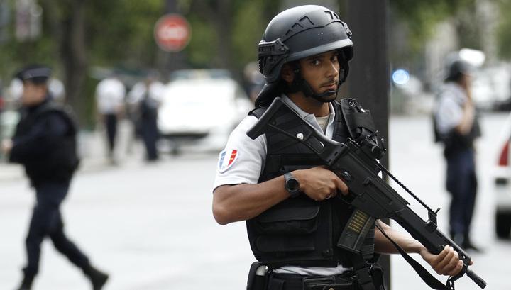 День взятия Бастилии: парижская полиция применила газ