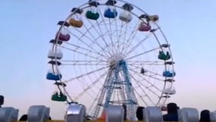 Секс на колесе обозрения видео смотреть