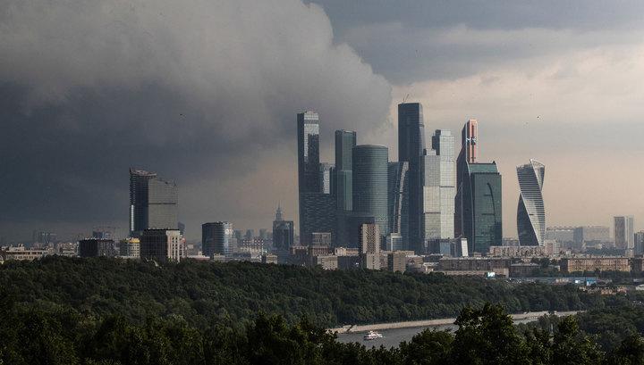 На неделе в Москве будут жара, духота, ливень и град