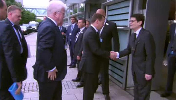 Медведев и Ельцина прибыли в Страсбург, чтобы проститься с Колем