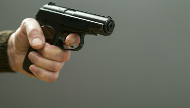 В магазине на востоке Москвы произошла драка со стрельбой