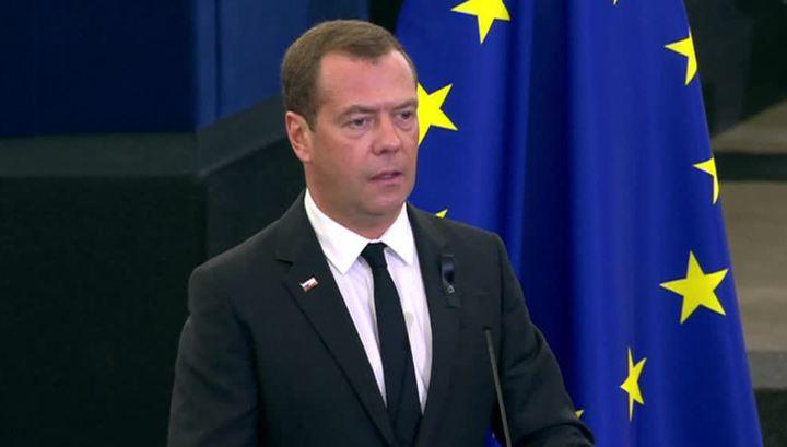 Медведев почтил память Коля в Страсбурге