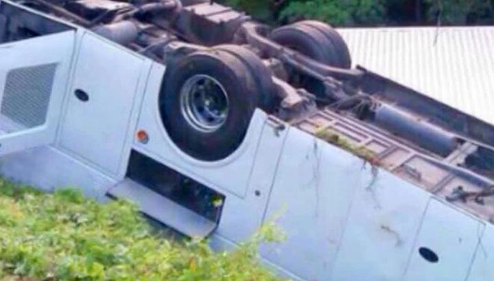В Турции перевернулся автобус, 7 человек погибли