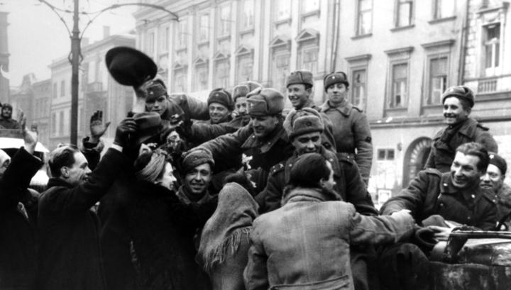 В Латвии запретили носить форму Красной армии