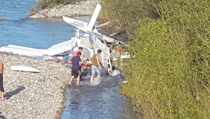 Погибшие при падении самолета в Пицунде - туристы из России