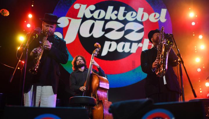В Коктебеле в этом году будут играть джаз вместе с дельфинами
