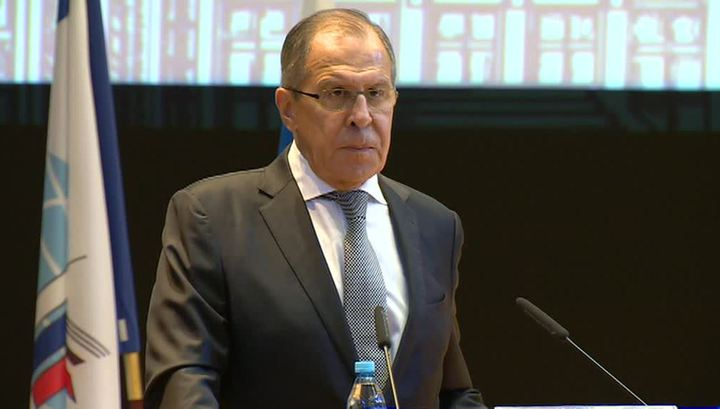 Лавров назвал закрытие российских диппредставительств пароксизмами Вашингтона
