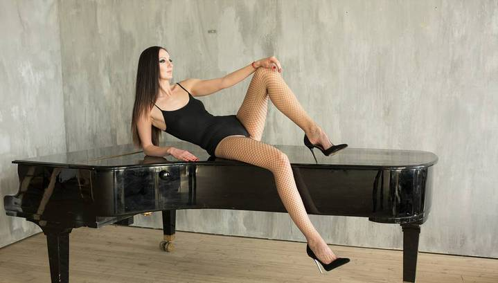 Секс девушкой с самыми длинными ногами