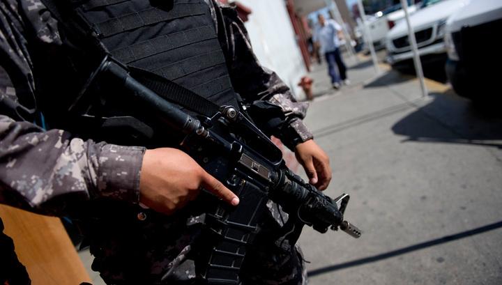 Резня в пригороде Мехико: один убит, четверо ранены