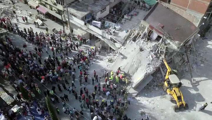 Число жертв землетрясения в Мексике выросло до 273 человек